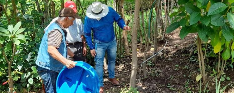 SERVICIOS HIGIENICOS PARA FAMILIAS DEL BARRIO UCHIMA